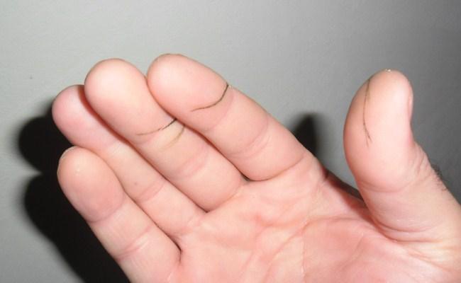 краска на пальцах после намотки шнура на катушку