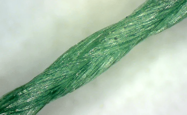 плетеный шнур под микроскопом